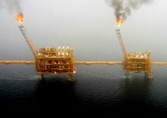 中国商务部:中国同伊朗开展正常的经贸和能源合作合理合法 必须得到尊重和保护