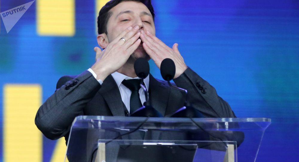 乌中选委:泽林斯基赢得乌克兰总统大选胜利  得票73.22%