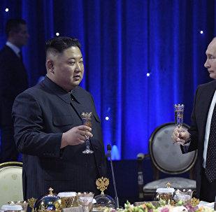 专家认为金正恩在普京提及其父亲时被感动