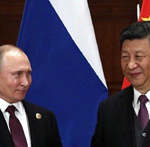 中国国家主席习近平(右)和俄罗斯总统普京