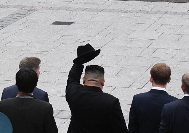 朝鮮代表團將在俄濱海邊疆區樹金正恩首訪紀念牌