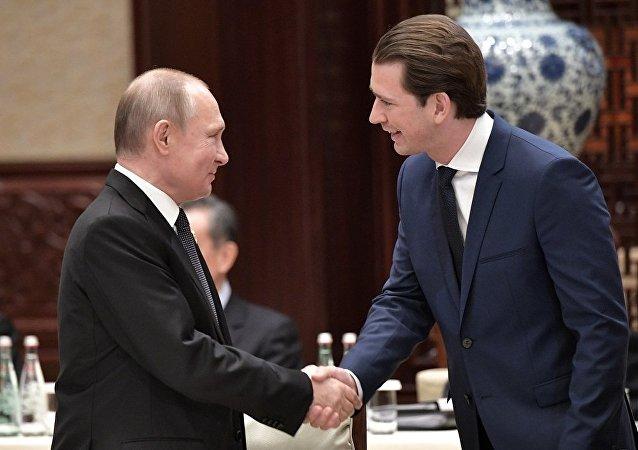 北京與奧地利總理庫爾茨