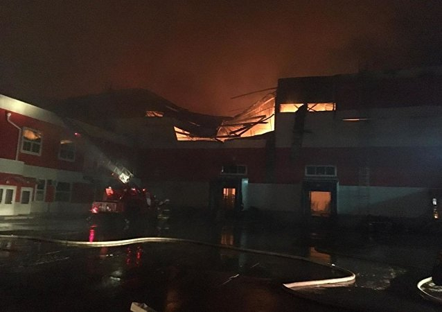 沃羅涅日州配送中心起火 面積達2萬平米