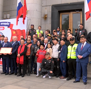 俄中摩托車手北京啟程踏上「友誼之路」徵程