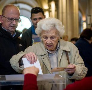 在西班牙议会选举时