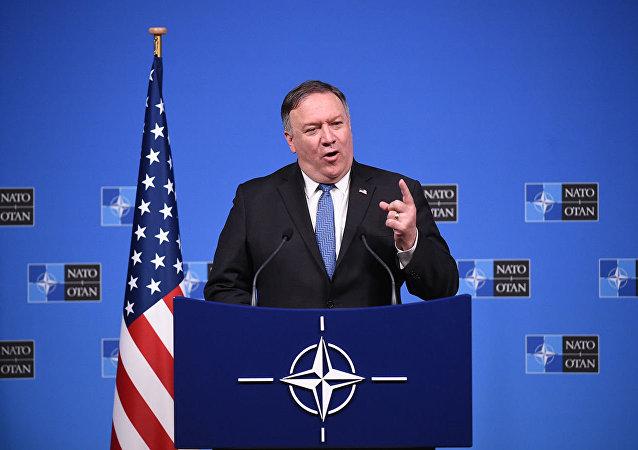 蓬佩奥:美国担心中国加强在北极的军事存在