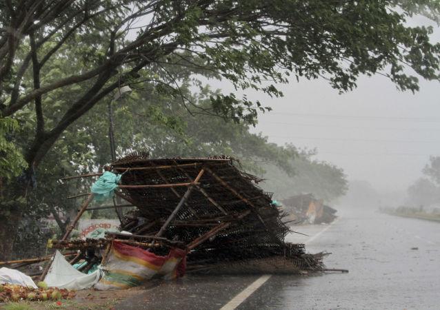 """媒体:超强飓风""""法尼""""在印度东部造成的死亡人数升至29人"""