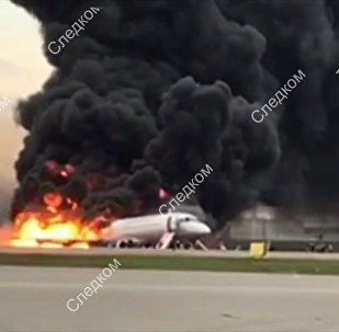 俄机场:SSJ-100客机机长曾报告说飞机将正常降落
