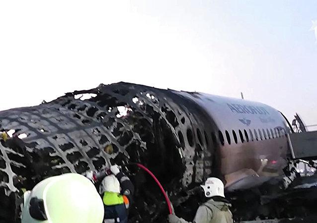 SSJ100事故调查:对飞机技术状态没有异议 但对驾驶员有疑问