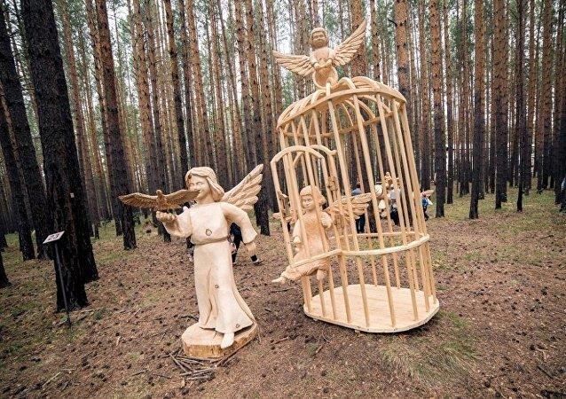 中國選手將參加貝加爾湖的木雕藝術節