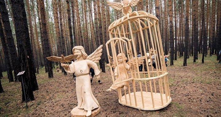 中国选手将参加贝加尔湖的木雕艺术节