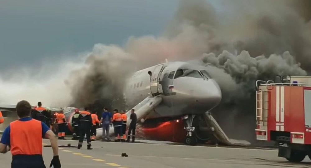俄航:SSJ100客機在謝列梅捷沃機場失事時無法升起擾流板