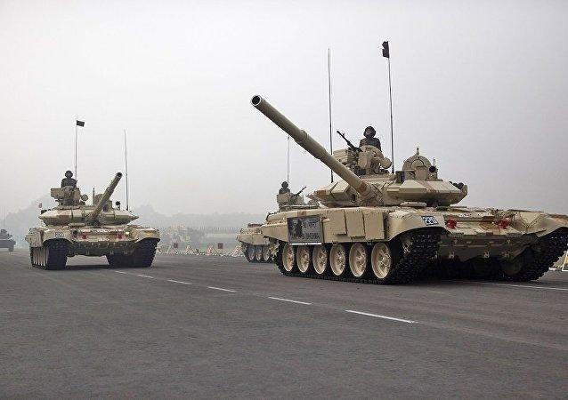 "T-90S""比湿摩""(Bhishma)坦克(资料图片)"