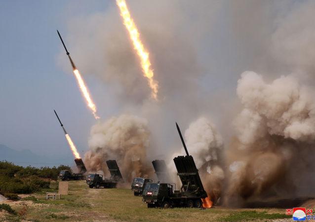 韩联社消息,韩联参称朝鲜发射2枚近程导弹