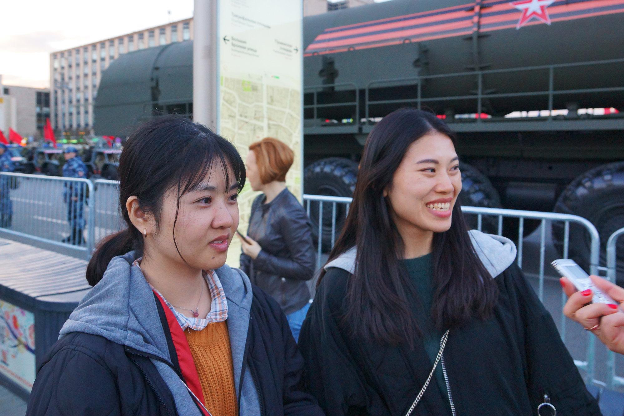 来自深圳的杨瑾艺和林素萍