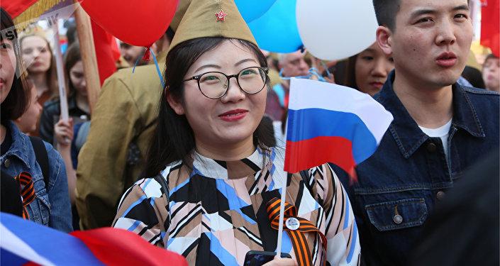 闫凤同学参与不朽军团游行活动