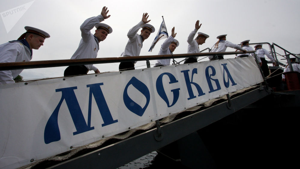 """黑海舰队包括7艘柴电潜艇(6艘""""华沙女人""""级潜艇——又称""""基洛""""636.3级和1艘877级""""鲽鱼""""型潜艇)以及48艘水面舰艇。"""