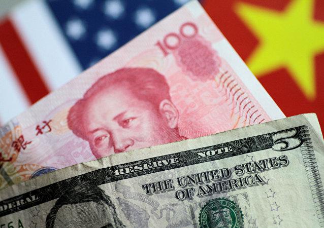 特朗普指责中国操纵汇率