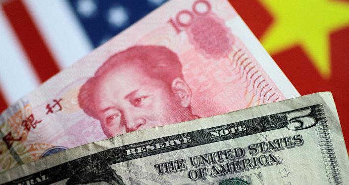 特朗普指責中國操縱匯率
