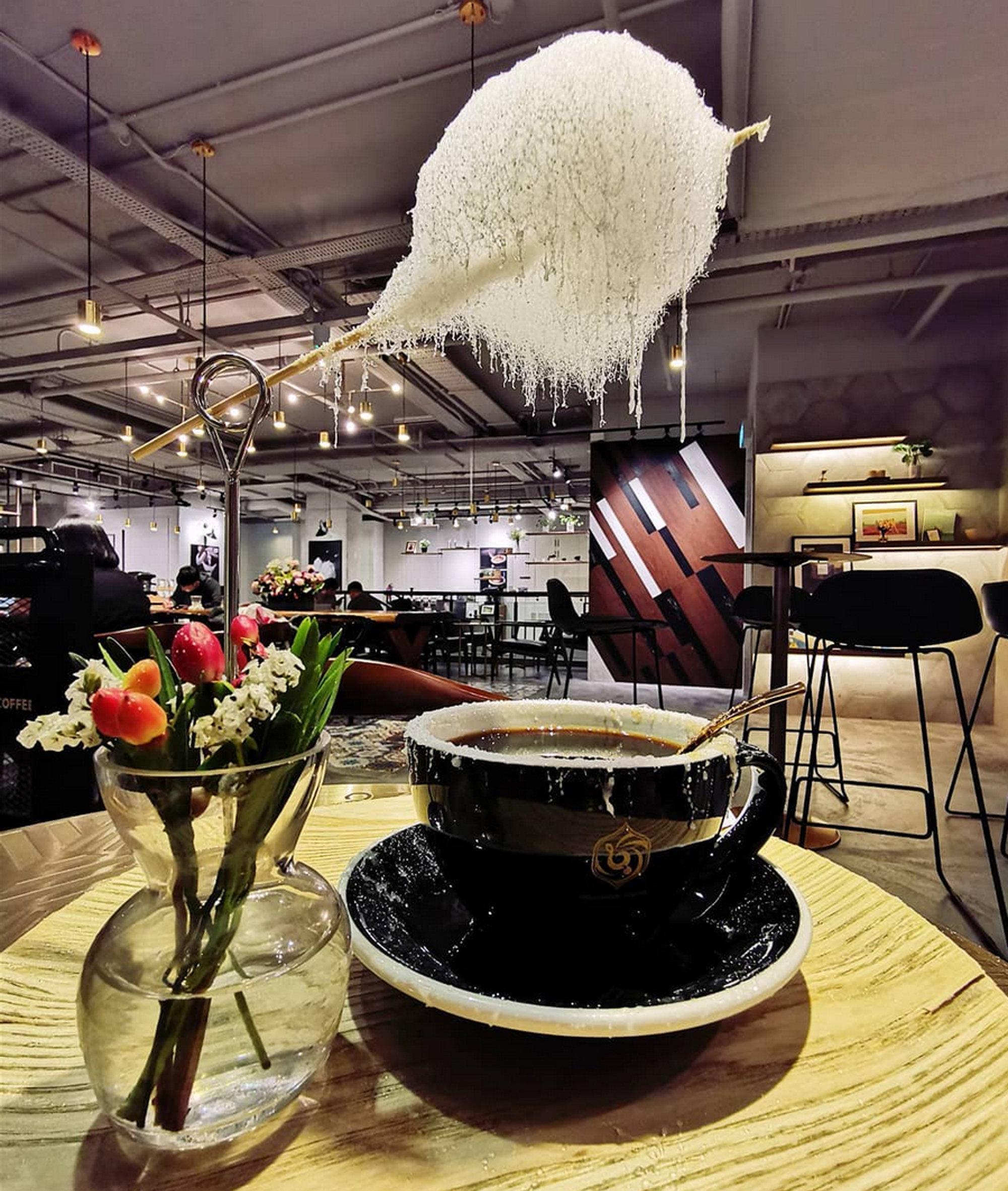 """上海咖啡馆推出""""会下雨的咖啡"""""""