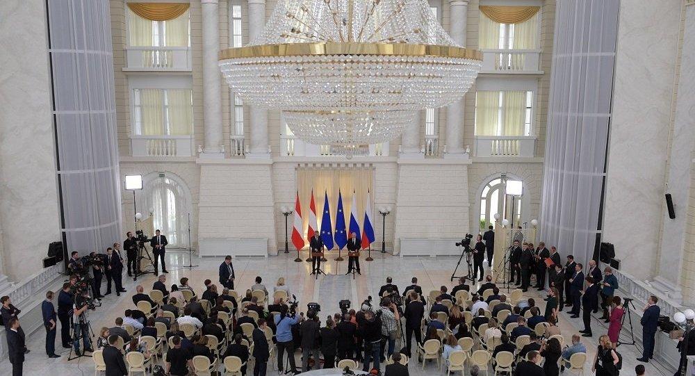 奧地利總統表示美國在伊朗問題上持挑釁態度