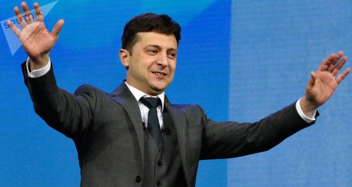乌克兰公开泽连斯基2018年的收入申报单