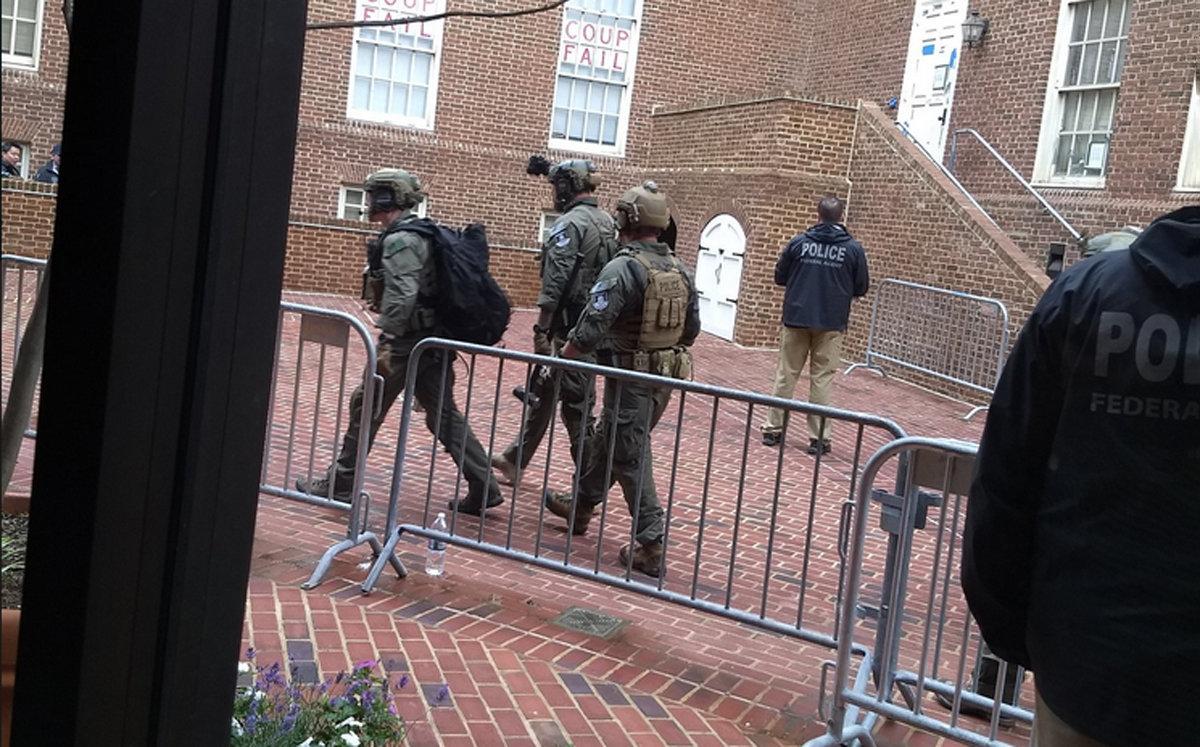 美国警方进入委内瑞拉驻华盛顿大使馆
