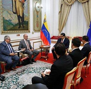 委问题国际联络小组代表在加拉加斯分别会见马杜罗和瓜伊多