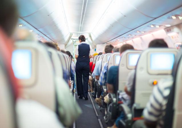 航班午餐發霉嚇壞了乘客和網民
