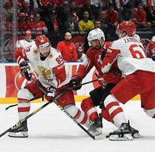 男子冰球世锦赛:俄罗斯取得六连胜
