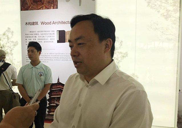 青白江國際木材交易中心總經理何仕海