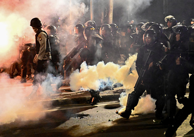 媒體稱印尼抗議活動中6死200傷