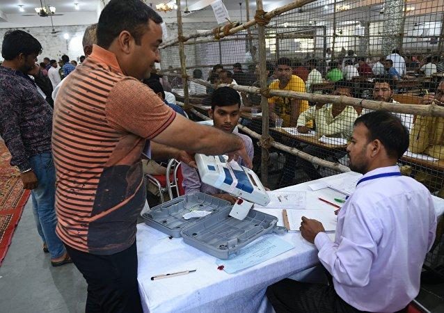 印度选举委员会:执政联盟在议会全民选举中获胜