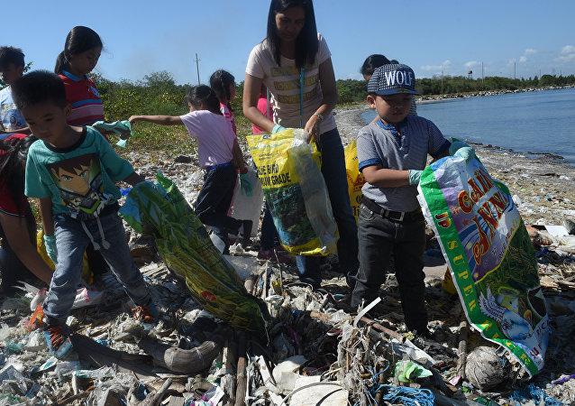 加拿大承諾將垃圾從菲律賓運回
