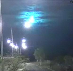 视频录下澳大利亚陨石坠落