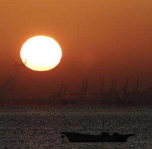 华媒:南沙遇险海南渔船32人全部获救