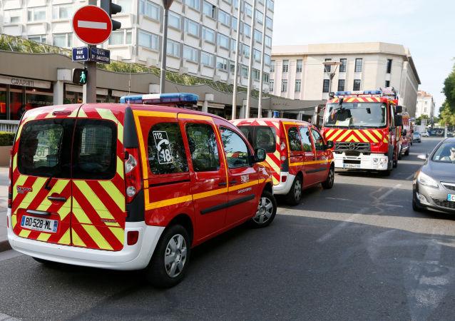 外媒:法國里昂爆炸案的爆炸裝置為配備有遙控系統的行李箱