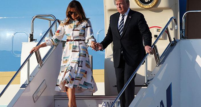 美国总统特朗普和他的夫人在东京