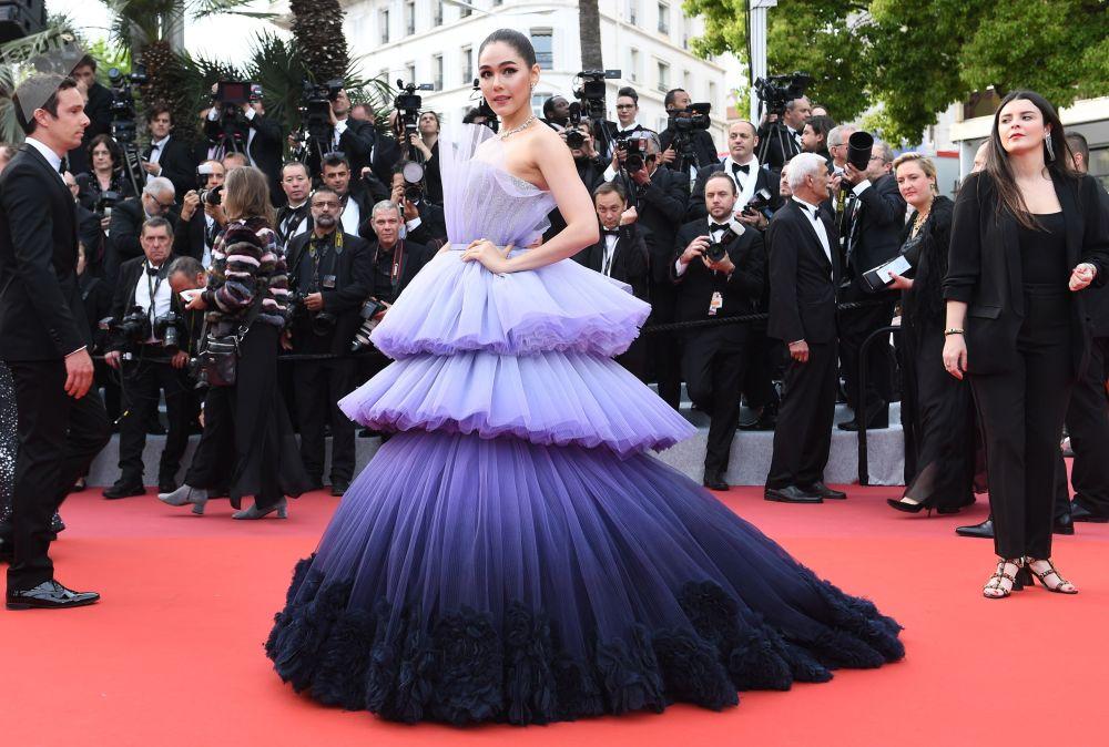 第72届戛纳国际电影节开幕式红毯上的泰国演员阿拉亚·爱尔柏塔·亥盖特