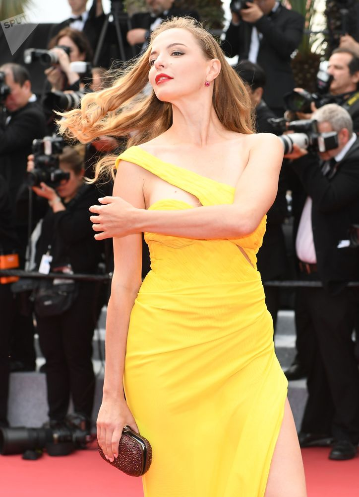 .第72届戛纳国际电影节电影《我的天啊!》红毯上的俄罗斯戏剧及电影演员马林娜·奥尔洛娃