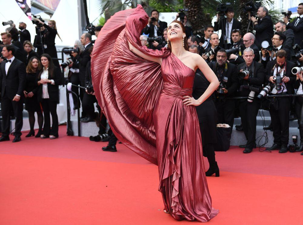 第72届戛纳国家电影节电影《美好时代》首映式红毯上的意大利演员米莱姆·里昂