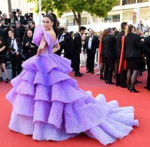 第72屆戛納國際電影節電影《火箭人》首映式紅毯上的模特施莉達·詹森