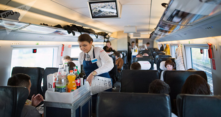 火車最常見的旅行食品是炸雞和煮雞蛋