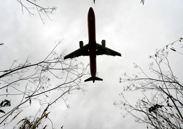 莫斯科飛往安塔利亞的航班因異物進入發動機返航
