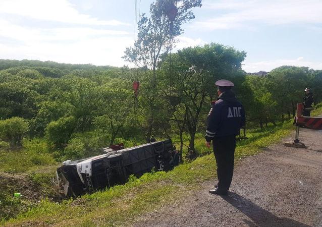 滨海边疆区新闻处透露中国游客大巴侧翻事故原因