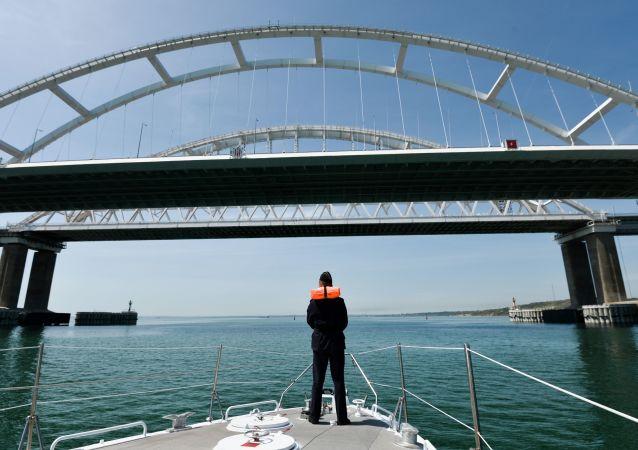 俄杜馬介紹烏克蘭艦船通行刻赤海峽條件