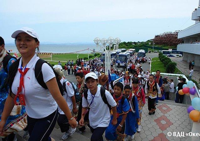 又一批中國學生來到'海洋'療養院