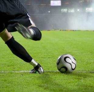 咬了对手的英格兰第四级联赛俱乐部球员被禁五场