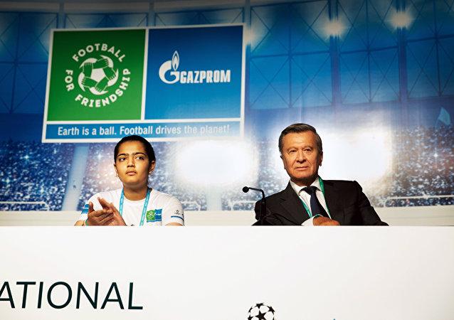 Kambodzh與尤祖布科夫,馬德里2019 「足球•友誼」國際論壇