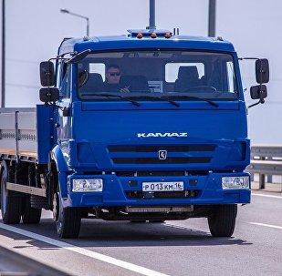 俄技术集团:卡玛兹无人卡车很快或将穿梭在必威体育的大街小巷